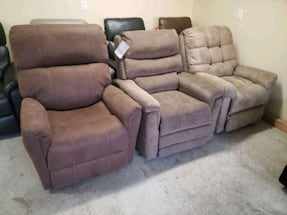 Lift chair LIQUIDATION only 3 left BRAND NEW
