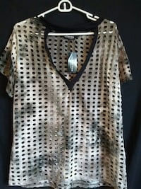 Ladies Top sz XL NWT Edmonton, T5H 3H9