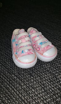 Toddler size 2 Converses