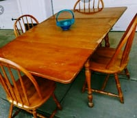 Table w 4 chaira Des Moines