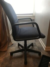 Blue and gray rolling armchair for $10 OBO Lexington, 40502