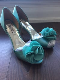 Badgley Mischka mint green satin peep toe shoes Toronto, M4Y 0A6
