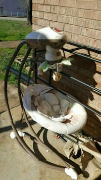 white and tan cradle and swing Kernersville, 27284