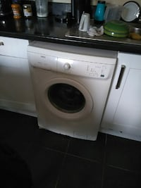 white front-load clothes washer Southend-on-Sea, SS0