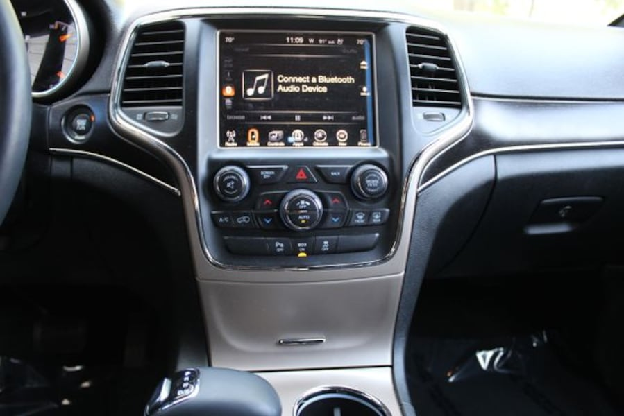 Used 2014 Jeep Grand Cherokee for sale 895894d7-82f7-4554-8367-d29957379bb8