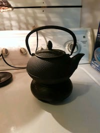 Cast iron tea kettle Surrey, V3R 1B6