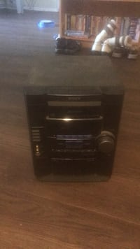 Sony CD player  London, N6H 1T3