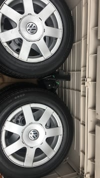 Gray 5-spoke car wheel with tire set Mississauga, L5A 1C7