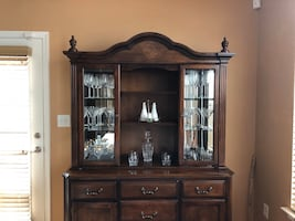 **Beautiful China Cabinet Excellent Condition**