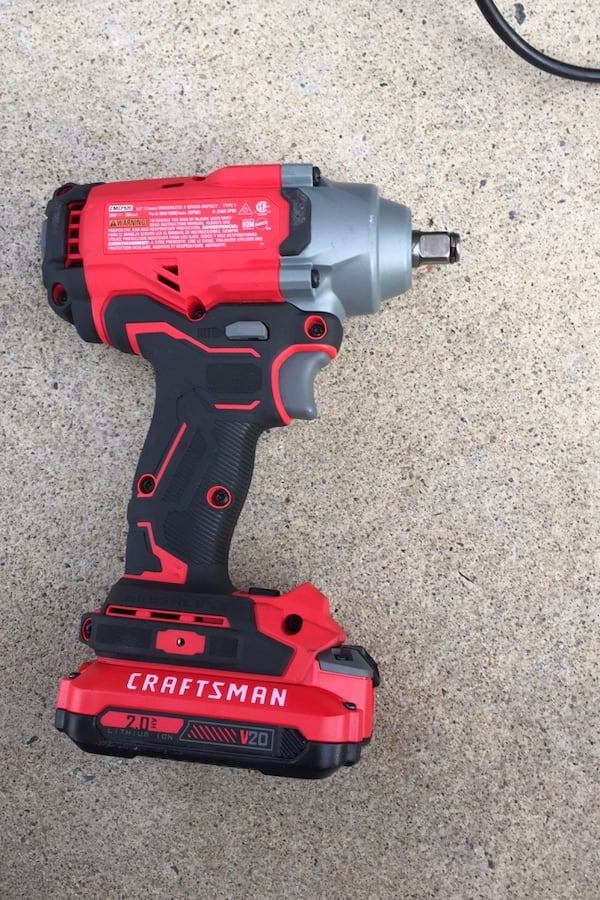 """Craftsman 1/2'"""" (13mm) Impact Wrench 20v with battery included  e82d6cfe-e043-4b98-84a1-8404067d6998"""