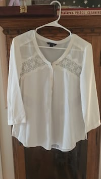 white lace long-sleeved shirt Lansing, 28643