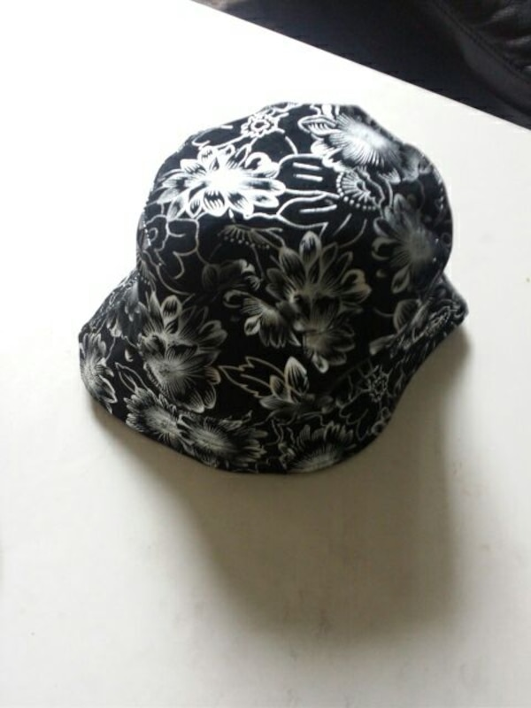 01fd6607a0d24 Used black and white floral bucket hat for sale in Hamilton - letgo