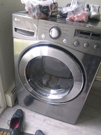 A pair washer and dryer LG Panasonic  Calgary, T2E 5W6