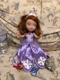 Sofia the First Talking Doll interacts with her animal friends.  Mississauga, L5E 3K5