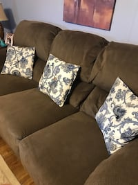 Couch and recliner set Leominster, 01453