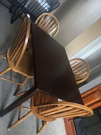 Dinning room table , 4 chairs and table cloth 400$ or best offer Campbellford, K0L