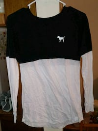 black and white crew-neck long-sleeved shirt Troy, 63379