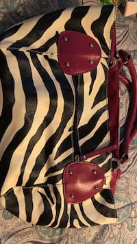 black and white zebra print leather handbag Chambersburg, 17202