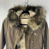 Abercrombie girls bomber brown jacket. Used but in good condition large Elk Grove, 95757