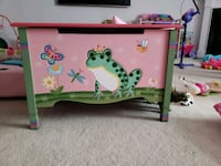 pink and green wooden toy box Monrovia, 21770