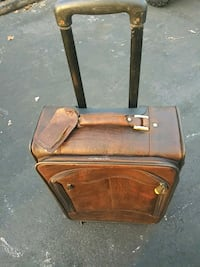 Cabelas leather Rolling Carry on Waldorf