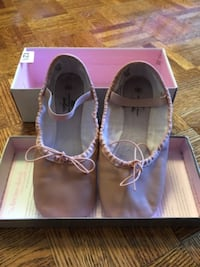 Girls Ballet shoes size 12.5 Vaughan