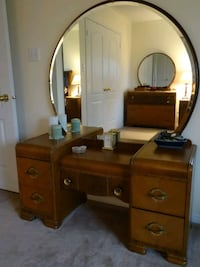 Vintage 1920's Waterfall bedroom set Wasaga Beach, L9Z 2G5