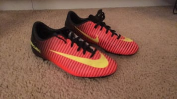 Girls size 3y soccer cleats