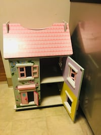 Cottage doll house Littleton, 01460