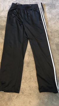 Men's adidas sweatpants Size L Surrey, V4A 9A2