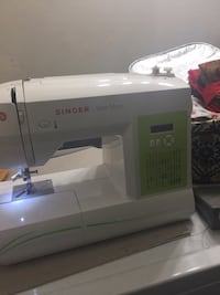 Excellent singer sewing machine-like new