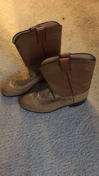 Brown size 8/1/2 cowboy boots