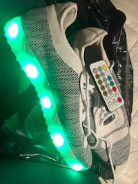 Light up shoes comes with control Bakersfield, 93305
