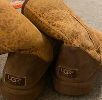 Used Size 10 Leopard Ugg Boots GERMANTOWN