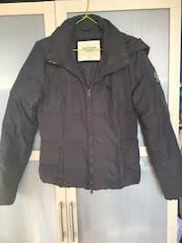 veste à capuche zippée noire Abercrombie and Fitch Paris, 75006