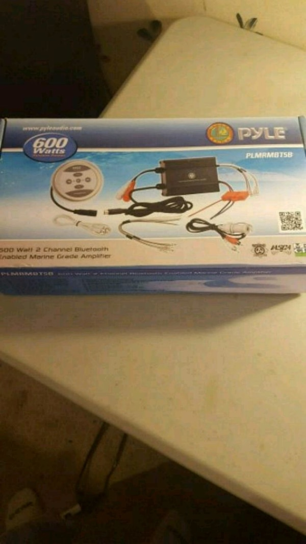 Bluetooth 2 channel 600watts pyle amp