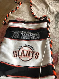 $18 dollars giants purse good condition cash only no trade no delivery  Hayward, 94541
