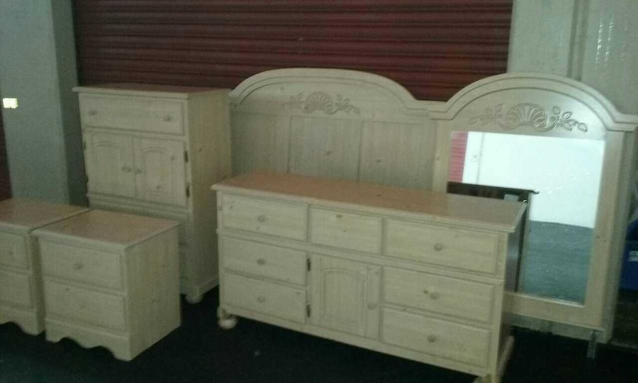 6 Piece Queen Bedroom Set In Plantation Letgo