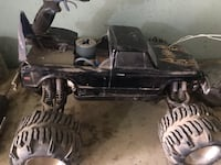 Rtr nitro team associated 1/8 scale monster truck runs very good has. Reverse & remote  Bakersfield, 93307