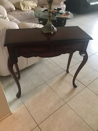 Console table Bombay  Fort Lauderdale, 33308