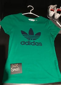 NEW W/o tags Adidas T-shirt size Small
