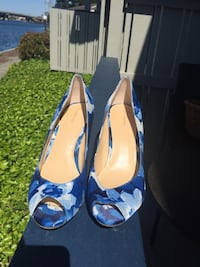 Pair of blue floral peep toe heeled shoes Foster City, 94404