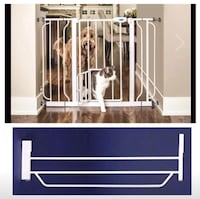 New, unused..Carlson Extra Wide Pet Gate, with Small pet Door St Thomas, N5R 6M6