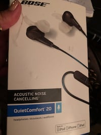 Bose acoustic noise cancelling quiet comfortmade for iPod iPad iPhone Vancouver, V5N 5R3