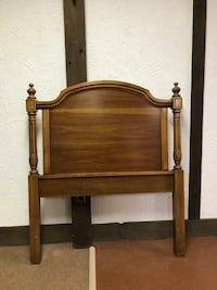 brown wooden headboard and footboard Livonia, 48150