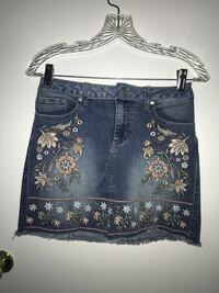 Altar'd state jean skirt flower embroidery size small