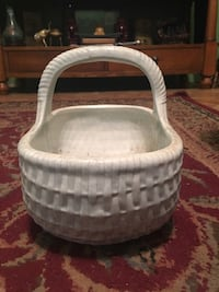 porcelain basket Morton, 39117