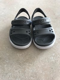Baby (toddler) sandals size 4