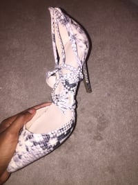 Snake skin lace up heel 10/10 condition new Brampton, L6X 5E8
