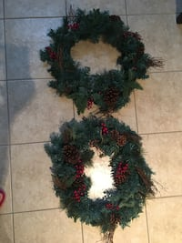 Green and red christmas wreath Vaughan, L6A